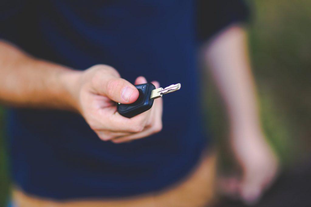 קניית רכבים לפירוק באשדוד - בכמה אפשר למכור את האוטו שלי?