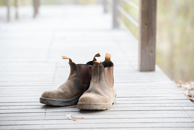 בלנסטון  – נעלי עבודה ומותג של אופנה