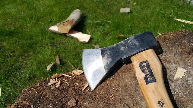 האם חייבים מסמרים שעובדים עם עץ