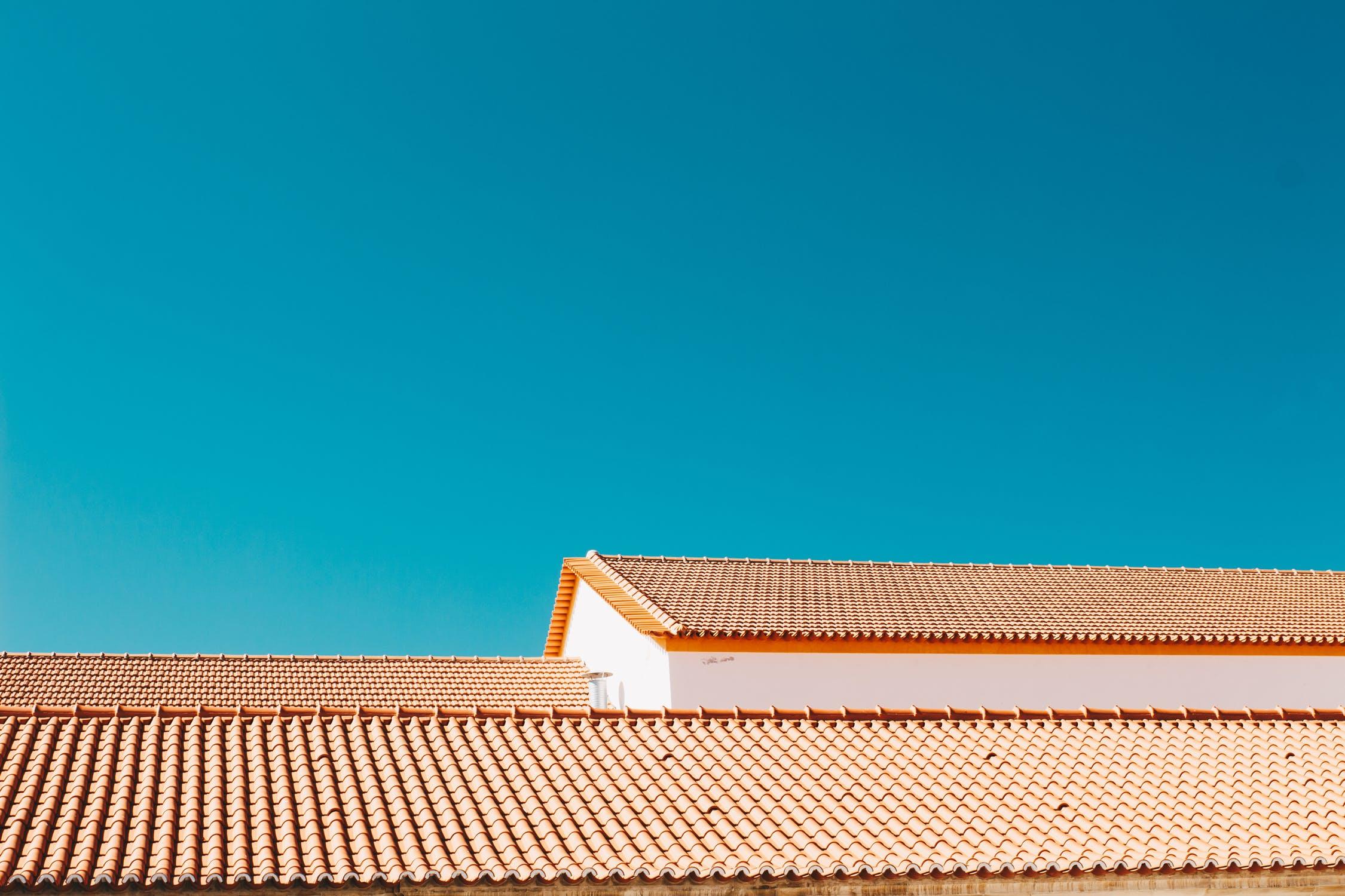איטום גגות – כך תבחרו עם איזה חומר לאטום