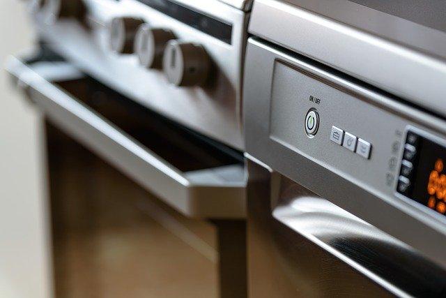 התנור לא עובד – דברים שיש לבדוק לפני שמזמינים טכנאי